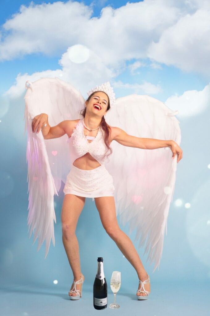 Angel Wings, Mara Zimmerli