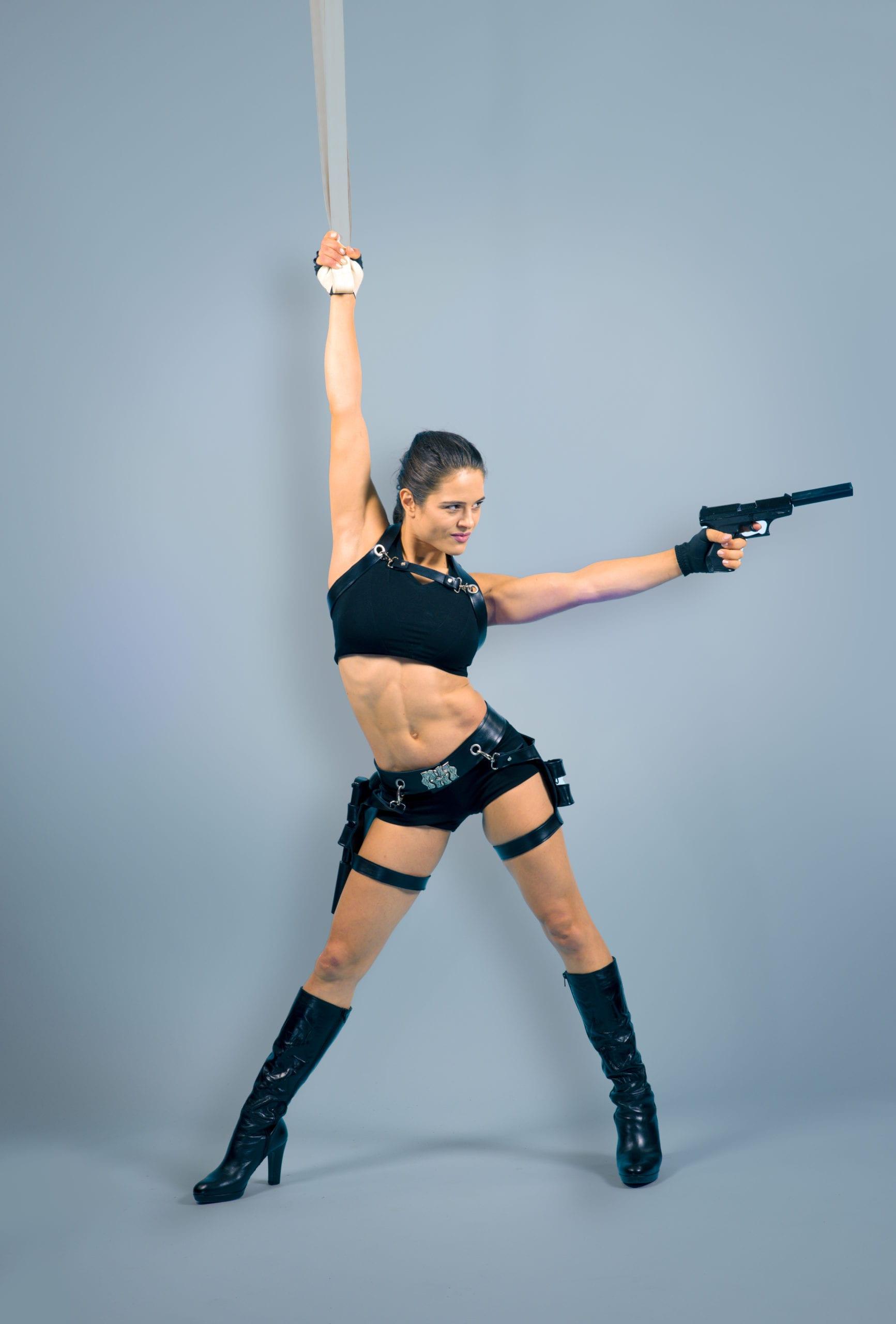 Tomb Raider Strapaten Nummer, Super Helden Luft Akrobatik für Event, Varieté, Zirkus